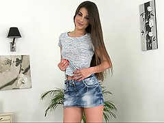 Teen Reality Brunette Skinny
