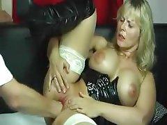 Amateur Latex MILF Orgasm