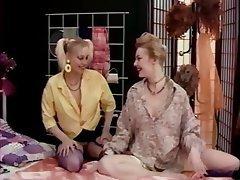 Cunnilingus Lesbian Stockings Strapon