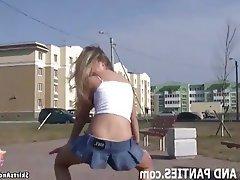 Amateur Babe Flashing Teen Upskirt